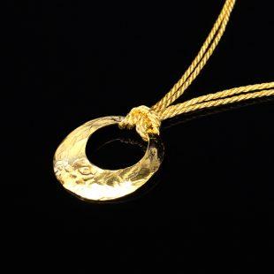 月のデザインが特徴的な和の彩 金銀糸ネックレス/ペンダントの商品写真です。型番:658-928 画像その2