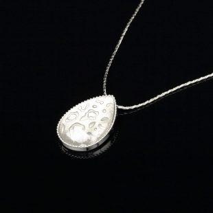 宝石クォーツ・水晶を使った和の彩 金銀糸ネックレス/ペンダントの商品写真です。型番:659-152 画像その2