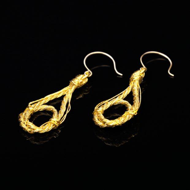 和の彩 金銀糸ピアスとイヤリングの商品写真です。型番:658-938 画像その1