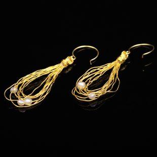 和の彩 金銀糸ピアスとイヤリングの商品写真です。型番:658-944 画像その1