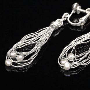 和の彩 金銀糸ピアスとイヤリングの商品写真です。型番:658-945 画像その4